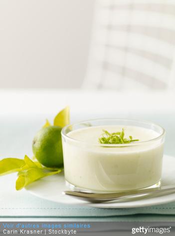 A servir avec du rhum ambré : le bavarois à la mangue et au chocolat blanc